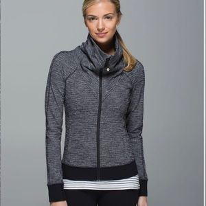 Lululemon Be Present Jacket—Coco Pique Black